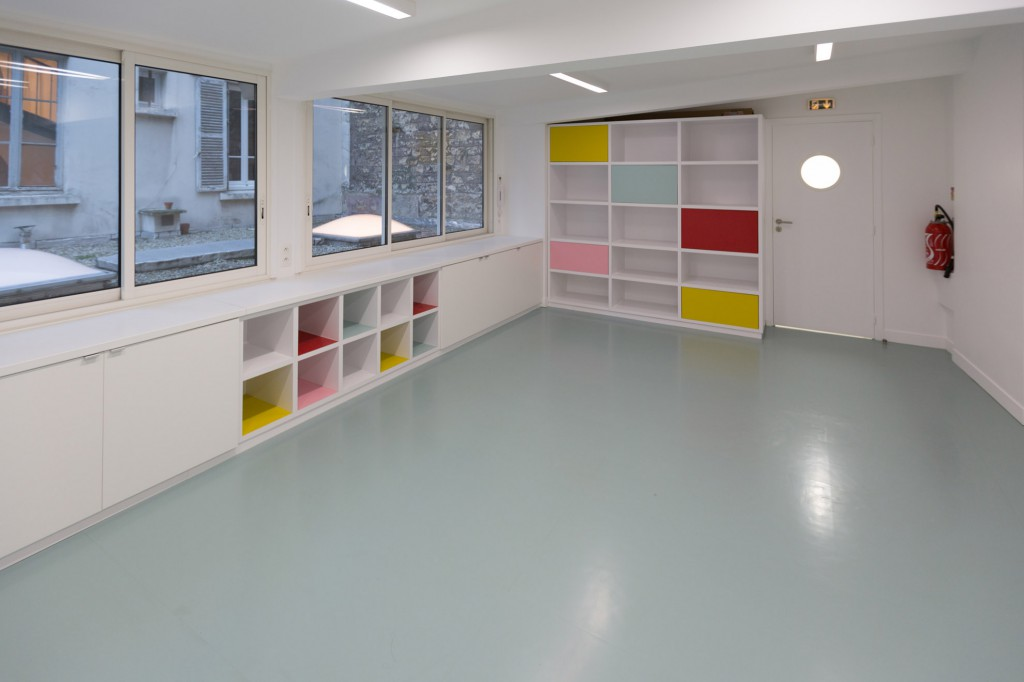 A bright room for classes and birthday parties